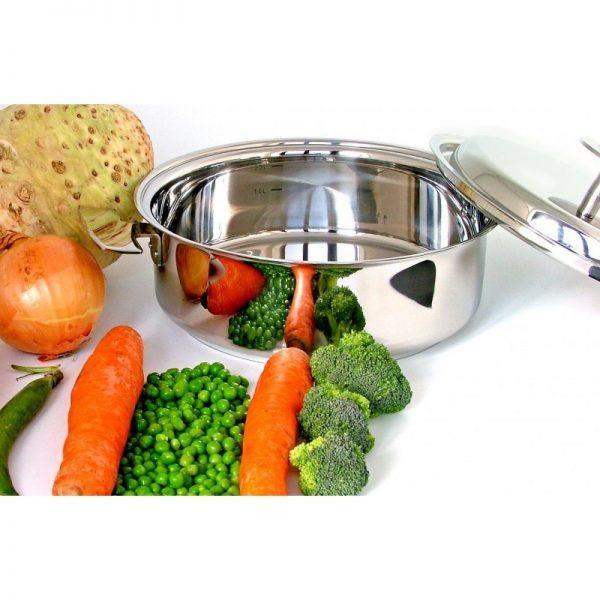 Légumes de saison à cuire dans la Sauteuse Baumstal. Un ustensile adapté aux cuissons à basse température.