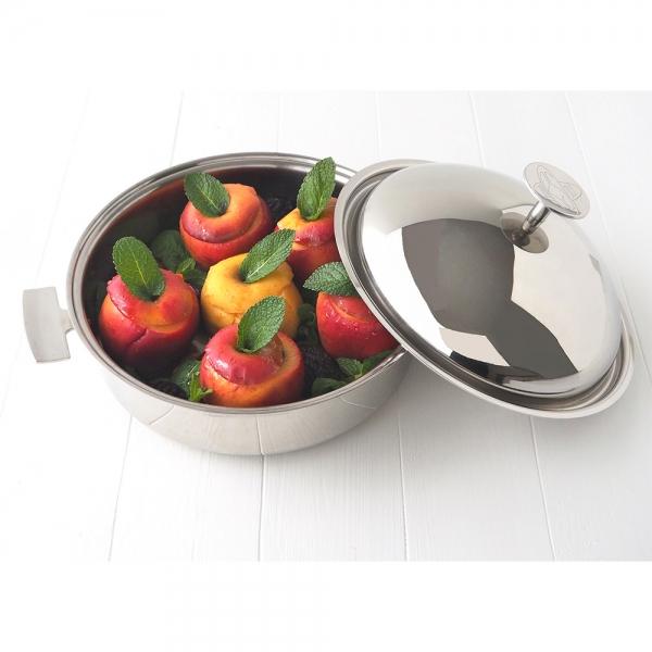 La Sauteuse Cuisson Douce Baumstal : Avec son couvercle cloche en inox, un ustensile de cuisson polyvalent pour tous type de cuissons