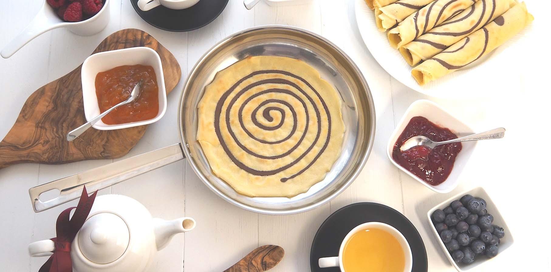 Pour la chandeur des crêpes originales : une décoration chocolat en spirale