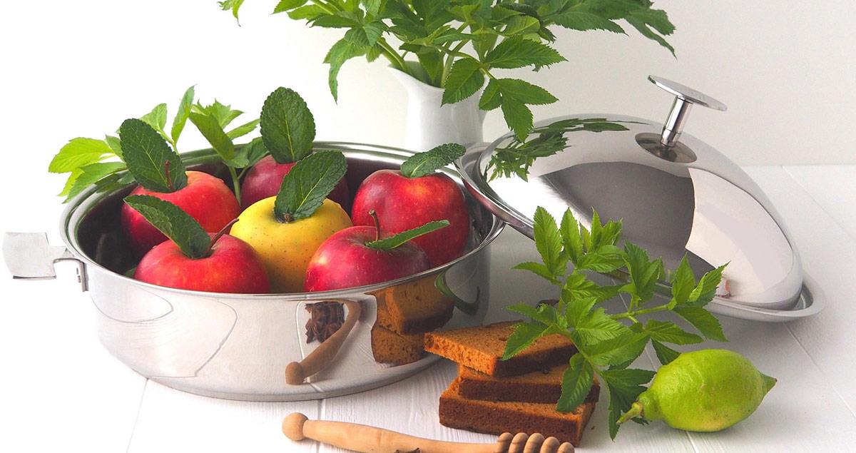 Ingrédients pour la recettes de pommes confites dans la Sauteuse Cuisson Douce Baumstal