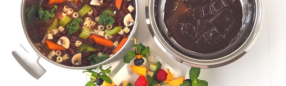 Duo minestrone dans la marmite et fondue au chocolat dans le legumier