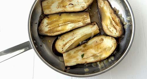 Aubergines grillées à la poêle